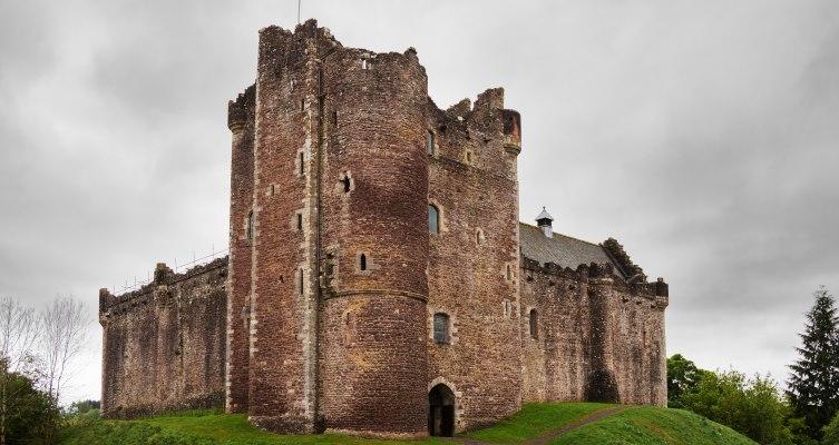 Castle Leoch /  Doune castle
